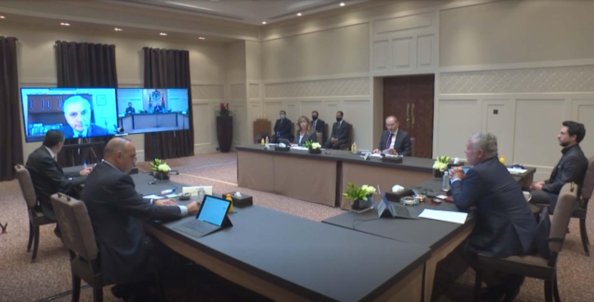 ملك الأردن عبد الله الثاني في اتصال بالفيديو مع مسؤولين أمريكيين