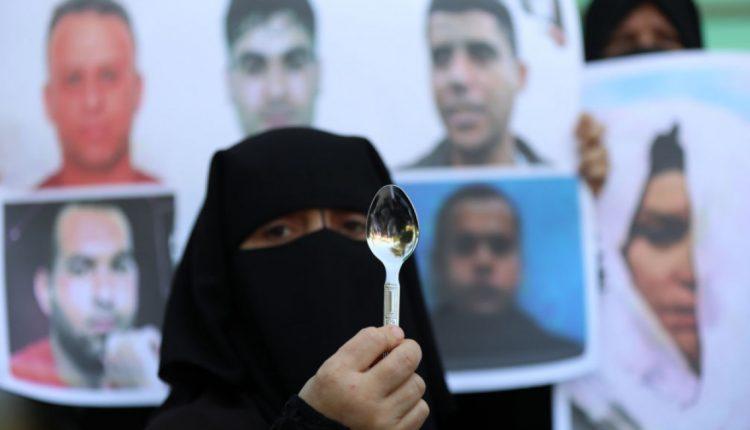 فرحة ممزوجة بالقلق..أهالي السجناء الفلسطينيين الهاربين خائفون على حياتهم