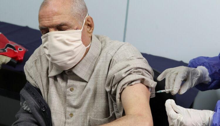 رئيس الوزراء: مصر تستهدف تطعيم 40% من السكان بنهاية 2021