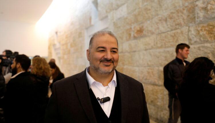 إسلامي عربي يلعب دورا في تشكيل حكومة إسرائيل الجديدة المناوئة لنتنياهو