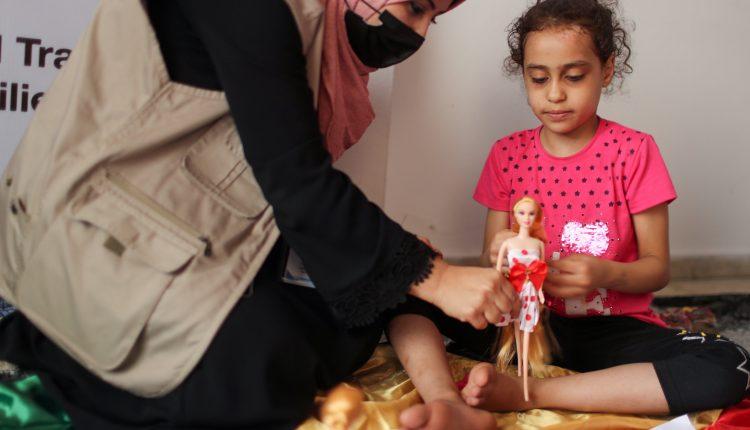 """""""تصرخ لو اقترب منها أحد"""".. أطفال غزة يكابدون آثار الصدمة"""
