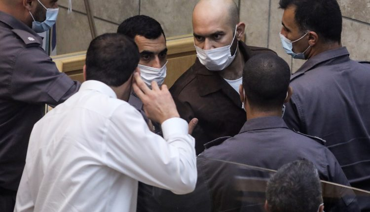 الاحتلال الاسرائيلي يوجه تهما لـ 11 أسير شاركوا بعملية نفق الحرية