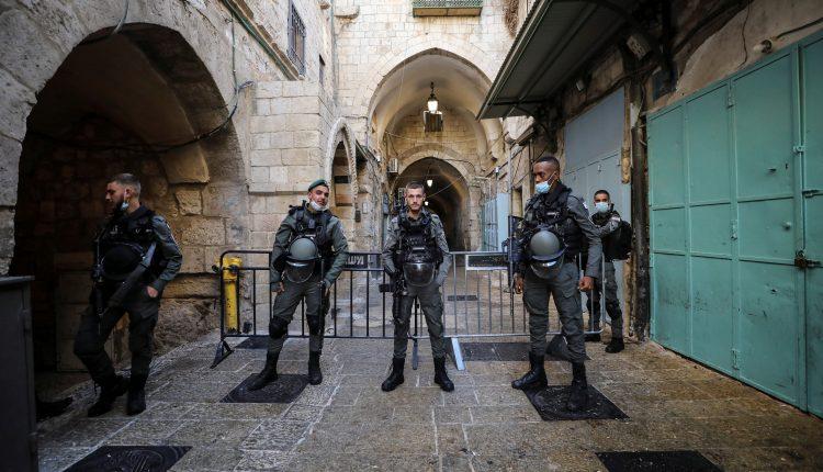 قوات الاحتلال الإسرائيلية تقتل فلسطينيا في الضفة وفلسطينية في القدس