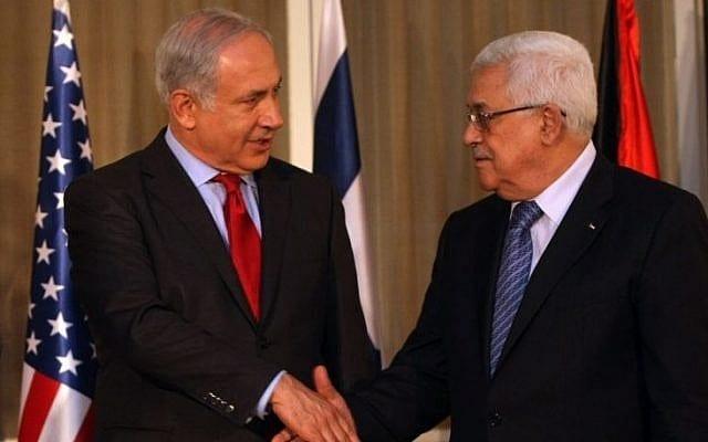 رئيس الوزراء الاسرائيلي بنيامين نتنياهو مع رئيس السلطة الفلسطينية محمود عباس في القدس ، 15 سبتمبر 2010 ( الصورة: Flash90)