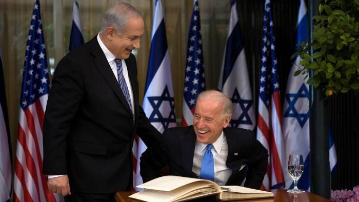 جو بايدن في عام 2010 ، عندما كان نائب رئيس الولايات المتحدة ، يزور رئيس الوزراء الإسرائيلي بنيامين نتنياهو في القدس.(الصورة: Getty)
